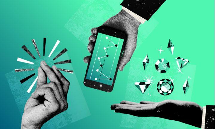 Drei Hände mit Handy und Diamanten